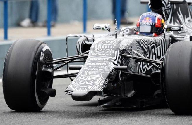 El ruso Daniil Kvvat  no pudo debutar con peor fortuna en Red Bull