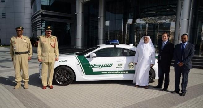 Un Lexus RC-F, el nuevo supercoche de la Policía de Dubai