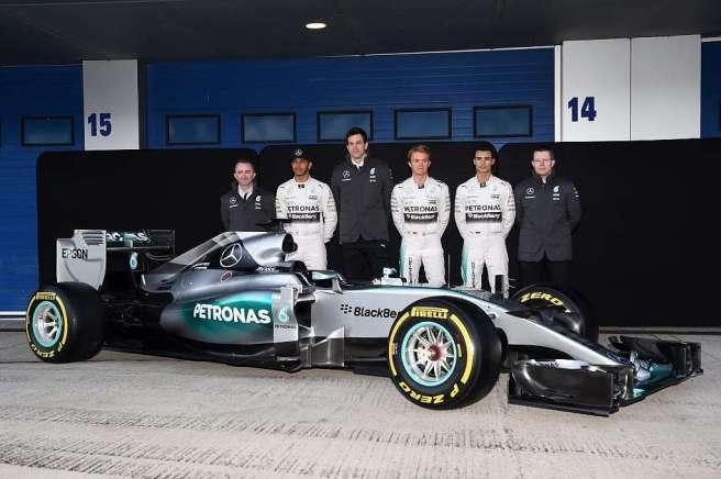 El nuevo Mercedes AMG FW06 en el Circuito de Jerez