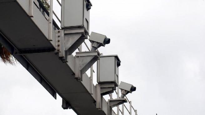 La DGT publicará una lista con la ubiación de todos sus radares, fijos y móviles