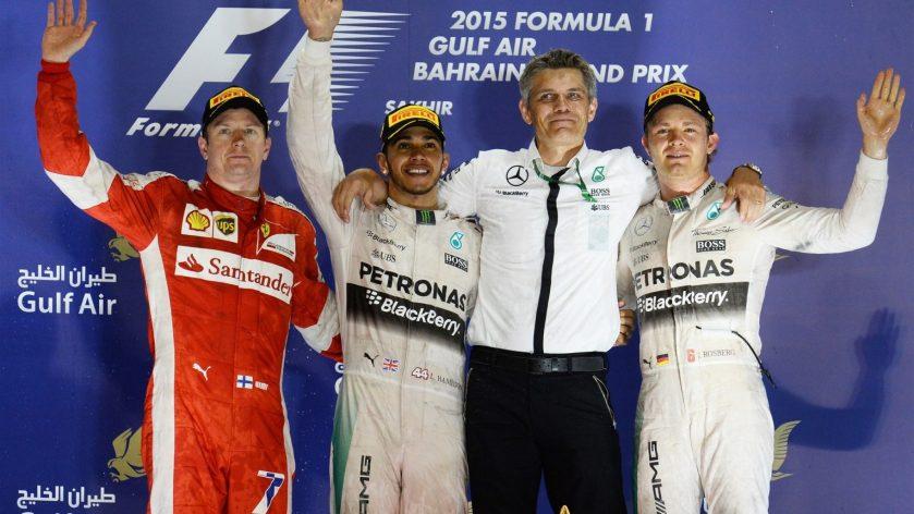 Pódium del GP de Bahrein, con Hamilton firmando su tercer triunfo del año