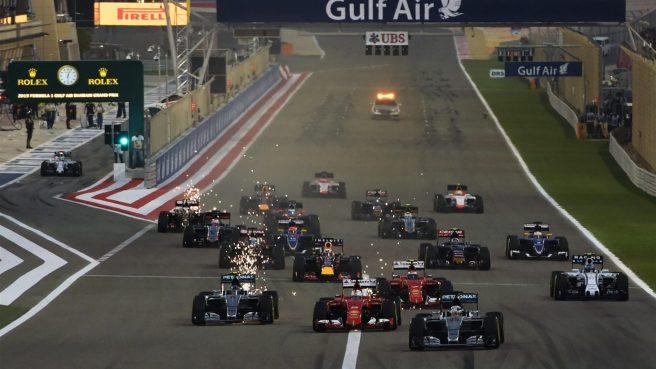 Espectacular imagen de la salida del GP de Bahrein