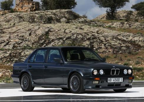 La BMW Serie3 E30 fue la segunda generación
