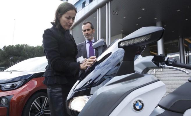 La DGT ofrecerá un distintivo especial para los BMW i3 y C Evolution
