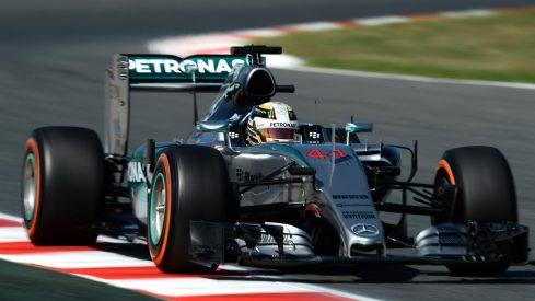 Lewis Hamilton tuvo que tirar de estrategia para poder adelantar a Vettel