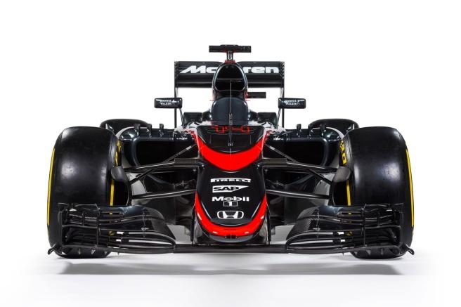 Gris grafito y rojo, los nuevos colores de guerra de McLaren para 2015