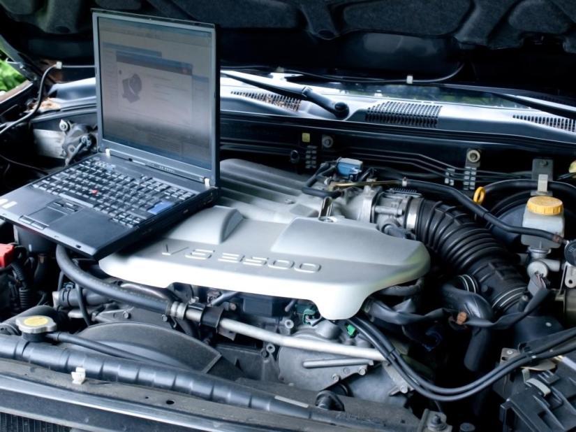 Los riesgos de reprogramar las centralitas de los coches