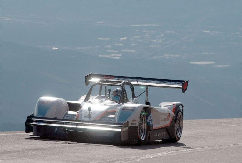 Histórico triunfo de Rhys Millen en la Pikes Peak 2015 , a bordo de un coche eléctrico