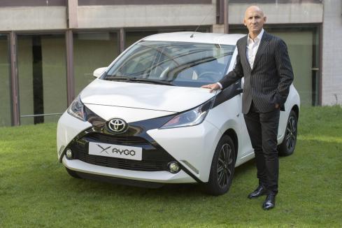 El diseñador Modesto Lomba personalizará un Toyota Aygo