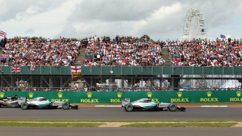 Espectacular carrera de Mercedes en Silverstone