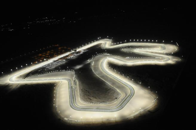 Espectacular imagen nocturna del Circuito de Losail (Qatar)