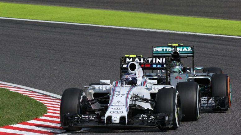 Valtteri Bottas, en dura pugna con Nico Rosberg