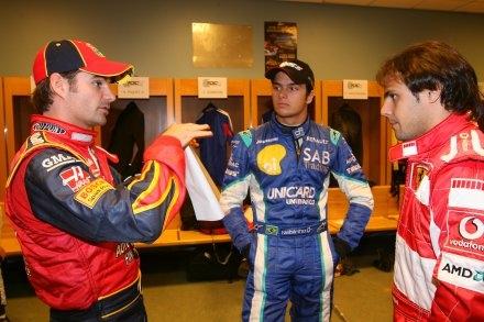 Massa y Piquet conversan con Jeff Gordon en la ROC de 2005