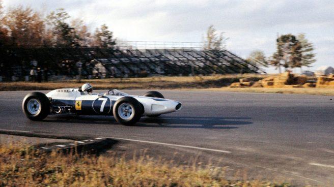 John Surtees, único ganador con un Ferrari de color azul