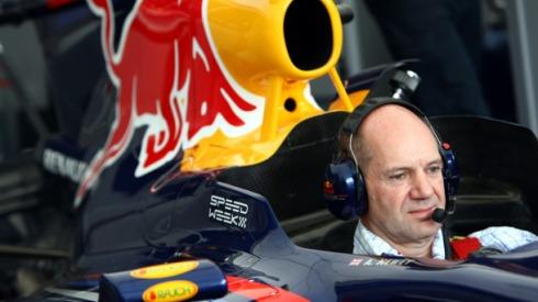 Adrian Newey confiesa que hoy por hoy no hay motores para Red Bull