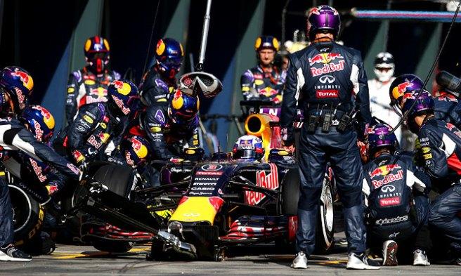 Posible acuerdo entre Red Bull y Honda para 2016