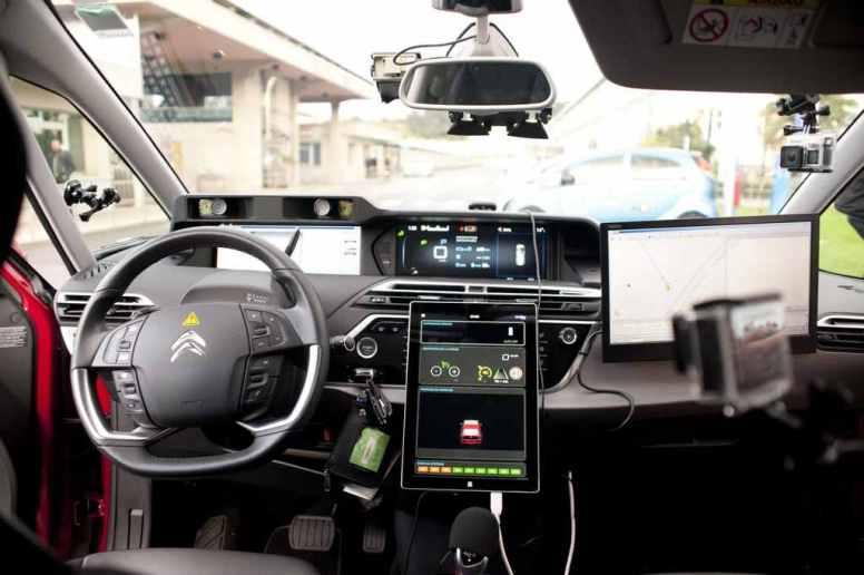 Detalle del primer Citroën C4 autónomo que cruza España