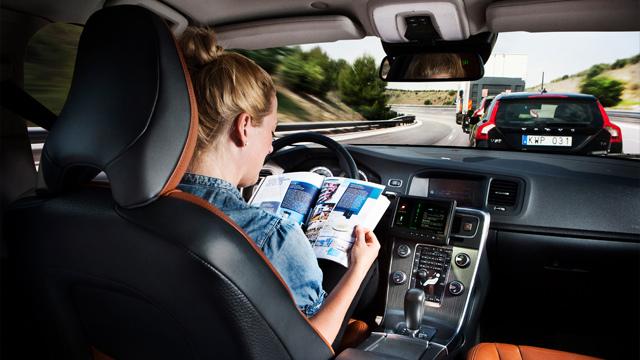 Tráfico autoriza las pruebas para los coches autónoms en España