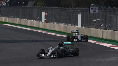 El duelo entre Rosberg y Hamilton se saldó con la victoria del primero