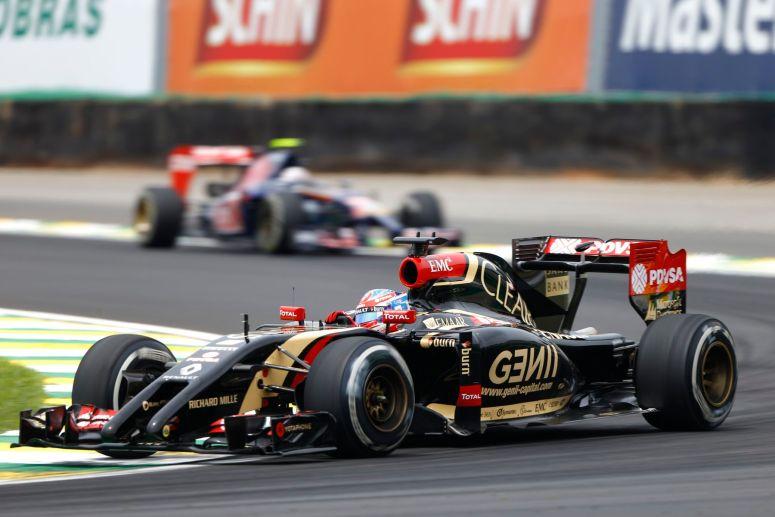 Grosjean desvela que Lotus tuvo retrasos en Japón y Brasil