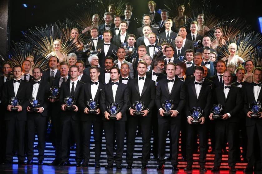 Foto de familia de los ganadores de los premios FIA 2015