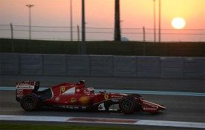 Kimi Raikkkönen, probando los nuevos compuestos de Pirelli en Abu Dhabi