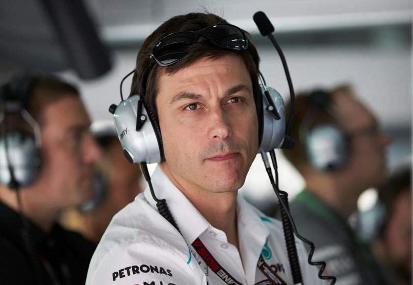 Toto Wolff advierte de posibles cambios en Mercedes si continúa la tensión