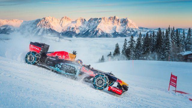 Max Verstappen, durante su exhibición sobre la nieve
