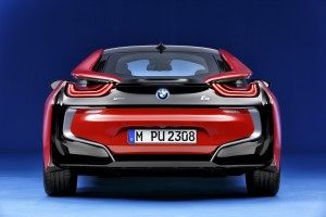 Espectacular vista trasera del BMW i8 Protonic Red Edition