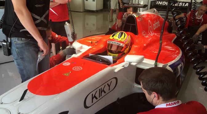 Haryanto probando con Manor en los tests de Pirelli en 2015