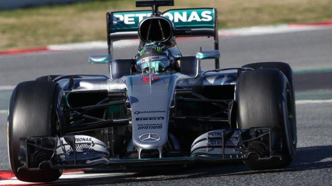 Nico Rosberg devuelve a Mercedes a lo alto de la tabla