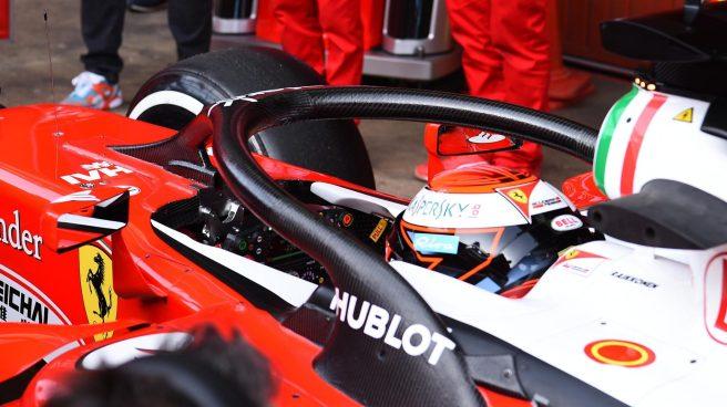 Kimi Raikkönen con el nuevo HALO equipado en su Ferrari