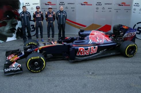 Presentación del equipo Toro Rosso para 2016 en Barcelona