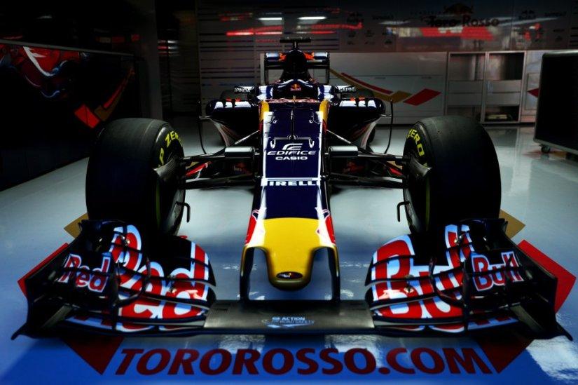 Nuevo Toro Rosso STR11, con la nueva unidad de potencia Ferrari