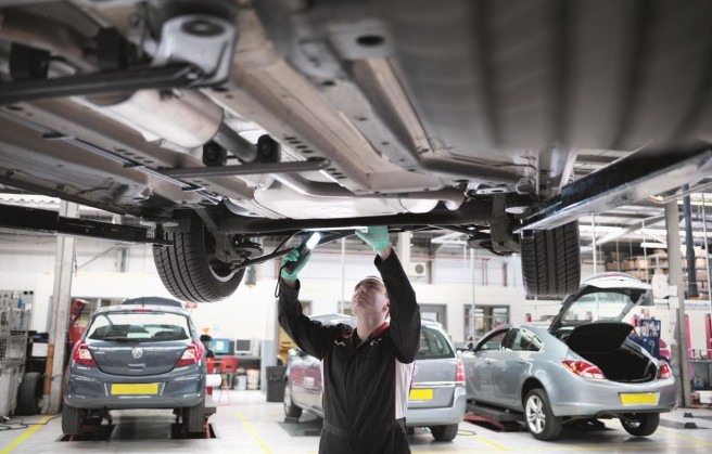 El envejecimiento de los coches hunde la postventa de los grandes concesionarios