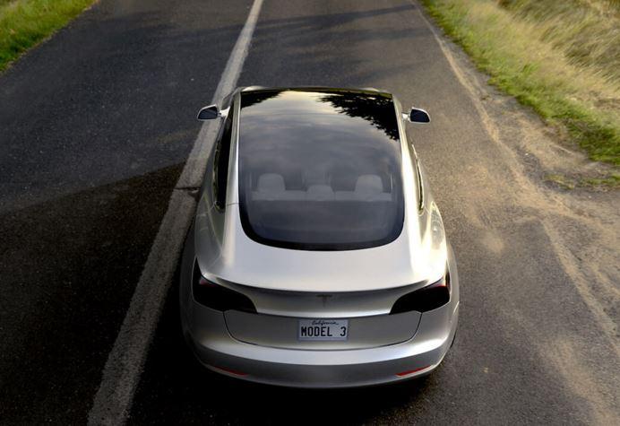 El nuevo Model 3 destaca por su techo panorámico