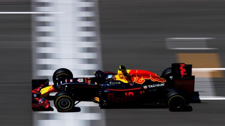 Max Verstappen sigue en plena forma, marcando el mejor tiempo de hoy