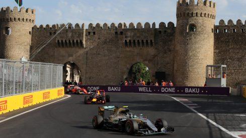 Carrera impecable de Nico Rosberg en las calles de Baku