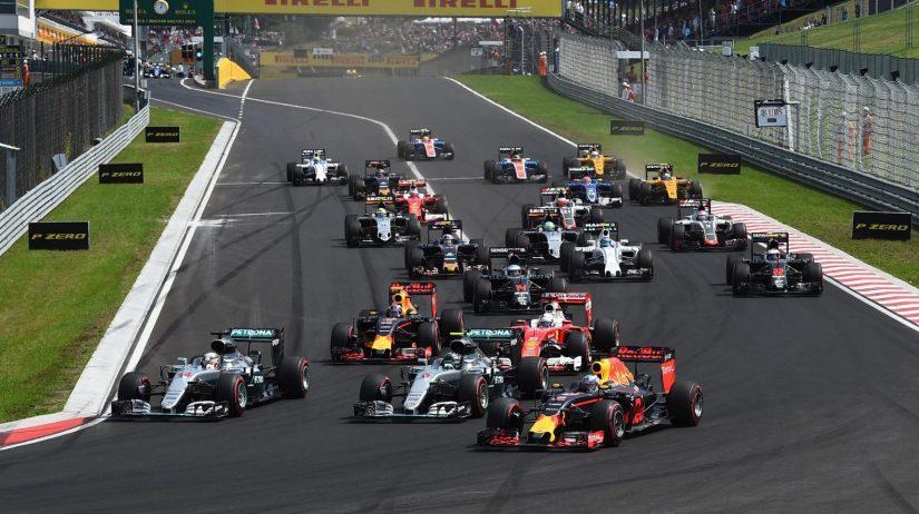 Espectacular salida de los Red Bull en Hungaroring