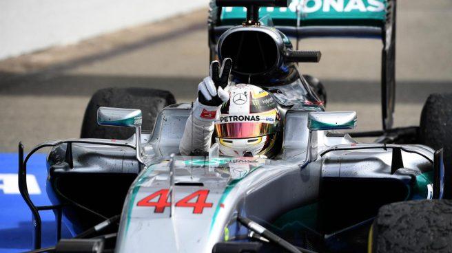 Lewis Hamilton, festejando su sexto triunfo del año