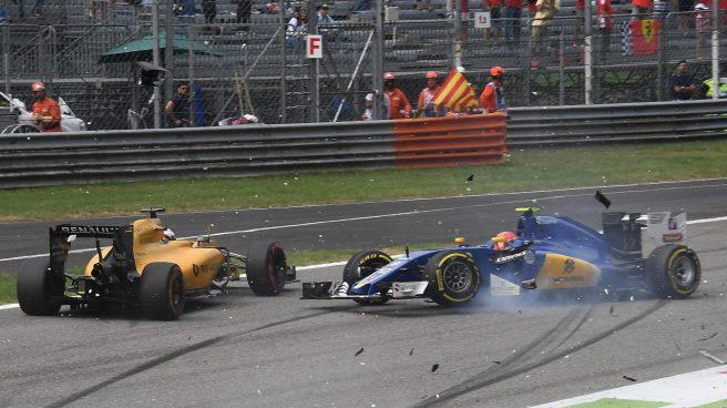 Momento en que impactan Felipe Nasr y Jolyon Palmer