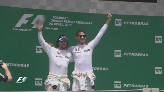 Fernando Alonso y Jenson Button, compañeros y amigos en McLaren
