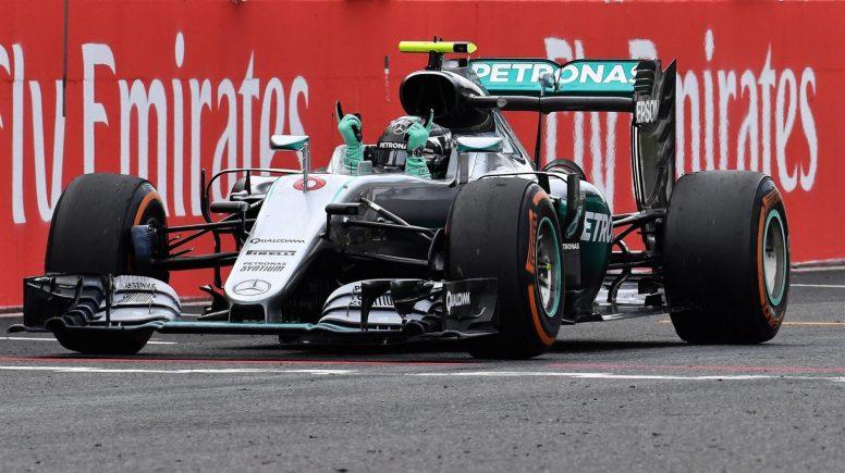 Nico Rosberg festejando su novena victoria del año
