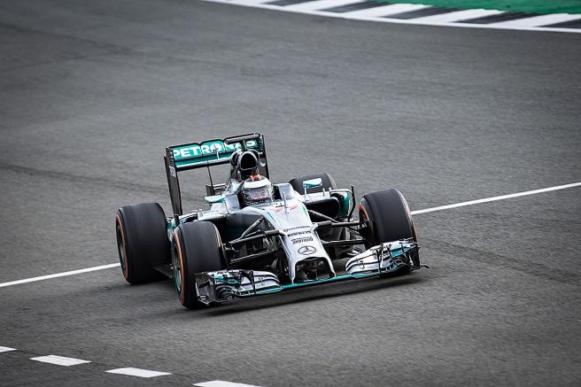 Jorge Lorenzo, rodando en Silverstone con el monoplaza de Lewis Hamilton