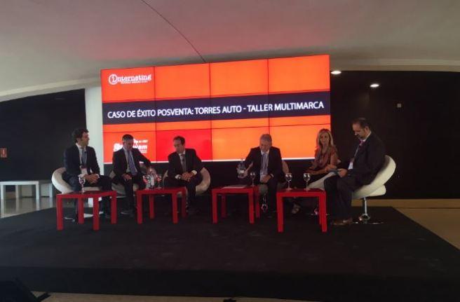 Mesa de debate sobre el caso de éxito de Torres Auto