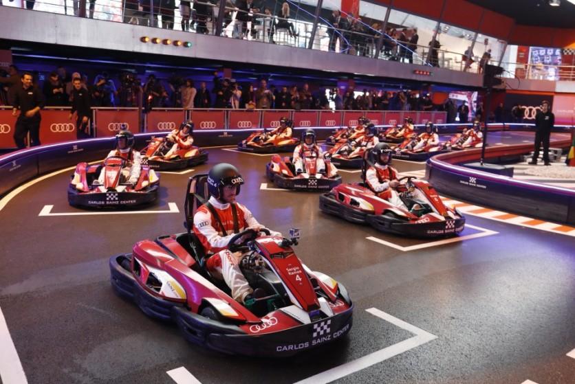 Los jugadores disputaron una carrera de karts en el Karting de Carlos Sáinz