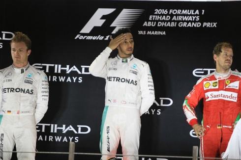 Ultimo pódium del año, con Hamilton como vencedor de la carrera y Rosberg campeón del mundo