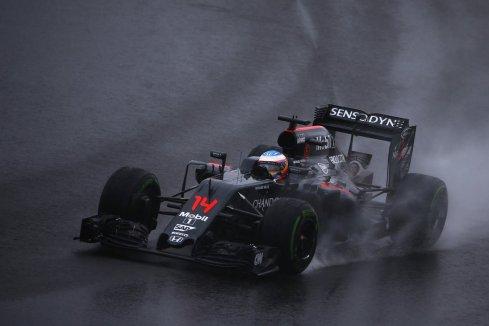 Fernando Alonso, décimo hoy bajo la lluvia de Interlagos