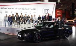 James Rodríguez, posando con su nuevo Audi RS 7 Performance 4.0 TFSI