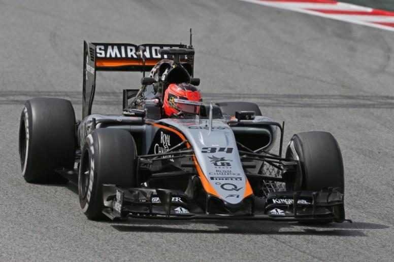 Esteban Ocon, probando con Force India en los tests de mayo de 2015 en Barcelona